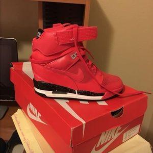 Red Nike Wedge